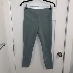 Athleta Cropped Workout Pants Leggings Size M